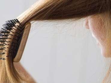 Alopecia post-parto: è transitoria o definitiva? Tutto quello che si deve sapere